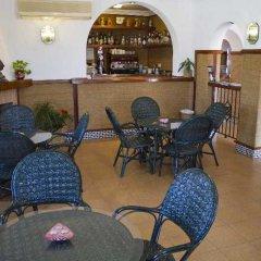 Отель Diufain Испания, Кониль-де-ла-Фронтера - отзывы, цены и фото номеров - забронировать отель Diufain онлайн гостиничный бар