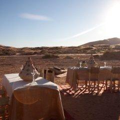 Отель Kam Kam Dunes Марокко, Мерзуга - отзывы, цены и фото номеров - забронировать отель Kam Kam Dunes онлайн приотельная территория фото 2