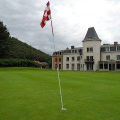 Отель Château de Bernalmont The place to stay спортивное сооружение