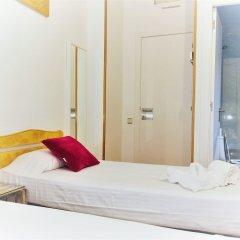 Отель La Palmera Hostal Барселона комната для гостей фото 4