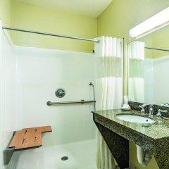 Отель La Quinta Inn & Suites Covington ванная