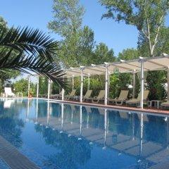 Отель Aparthotel Cote D'Azure бассейн