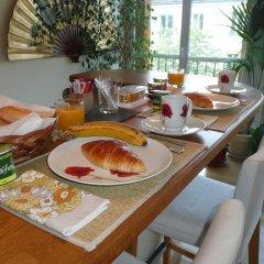 Отель Bed & Breakfast The Welcoming Dragon Франция, Париж - отзывы, цены и фото номеров - забронировать отель Bed & Breakfast The Welcoming Dragon онлайн питание