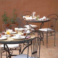 Отель Riad Bouchedor Марокко, Уарзазат - отзывы, цены и фото номеров - забронировать отель Riad Bouchedor онлайн питание