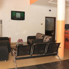 Отель Esre Blues Hotel Нигерия, Калабар - отзывы, цены и фото номеров - забронировать отель Esre Blues Hotel онлайн интерьер отеля
