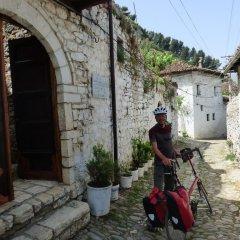 Отель Lorenc Pushi Guesthouse Албания, Берат - отзывы, цены и фото номеров - забронировать отель Lorenc Pushi Guesthouse онлайн городской автобус