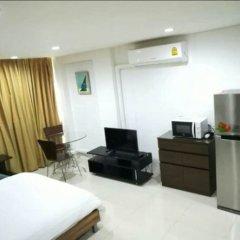 Отель Le Vanvarothai Saladaeng Residence Бангкок комната для гостей