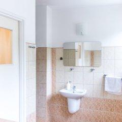 Отель SCSK Brzeźno Польша, Гданьск - 1 отзыв об отеле, цены и фото номеров - забронировать отель SCSK Brzeźno онлайн ванная фото 2