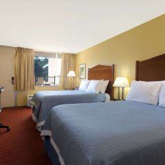 Отель Days Inn by Wyndham Washington DC/Gateway комната для гостей фото 5