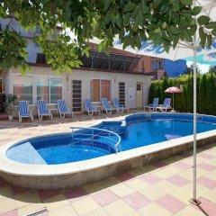 Peshev Family Hotel Nesebar бассейн