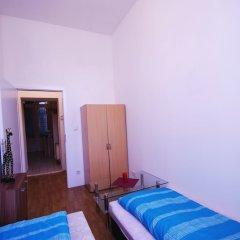 Апартаменты Raisa Apartments Lerchenfelder Gürtel 30 сейф в номере