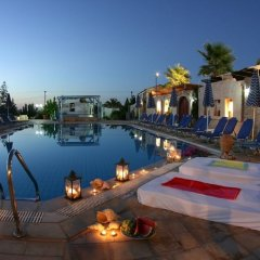 Отель Golden Bay бассейн