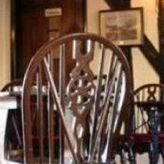 Отель The Dog Inn Великобритания, Халстед - отзывы, цены и фото номеров - забронировать отель The Dog Inn онлайн гостиничный бар