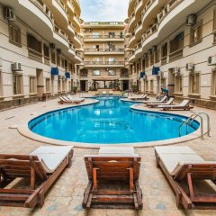 Отель Nour Plaza Hurghada бассейн