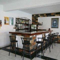 Отель Top Hill Residence Kiriri гостиничный бар