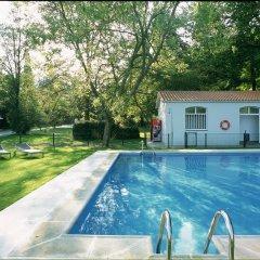 Отель Parador de Limpias бассейн