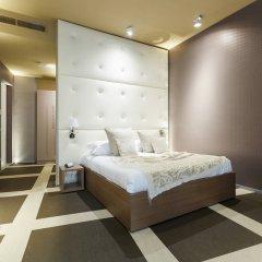 Отель Private Luxury Suite сейф в номере