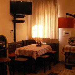 Отель B&B Il Casone Монтелупоне гостиничный бар