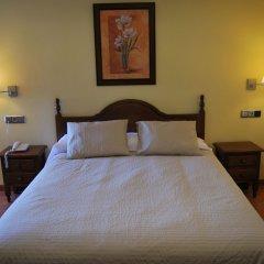 Отель La Encina Centenaria сейф в номере