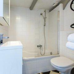 Отель Shauna Apartment Нидерланды, Амстердам - отзывы, цены и фото номеров - забронировать отель Shauna Apartment онлайн ванная