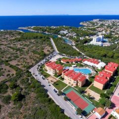 Отель Roc Cala D'En Blanes Beach Club Испания, Кала-эн-Бланес - отзывы, цены и фото номеров - забронировать отель Roc Cala D'En Blanes Beach Club онлайн пляж фото 2