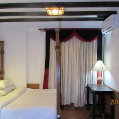 Отель Ganesh Himal Непал, Катманду - отзывы, цены и фото номеров - забронировать отель Ganesh Himal онлайн сейф в номере