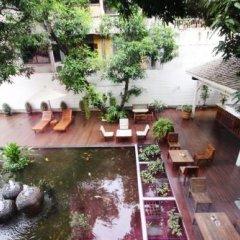 Отель Feung Nakorn Balcony Rooms and Cafe Бангкок фото 2
