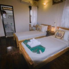 Отель Y Not Lao Villa сейф в номере