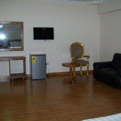 Ampomaah Hotel комната для гостей фото 5