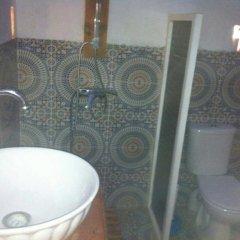 Отель Ksar Tin Hinan Марокко, Мерзуга - отзывы, цены и фото номеров - забронировать отель Ksar Tin Hinan онлайн ванная