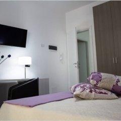 Отель Le Ninfe Сиракуза сейф в номере