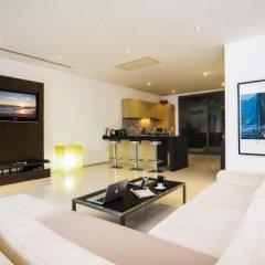 Отель Seductive Sunset Villa Patong A2 в номере
