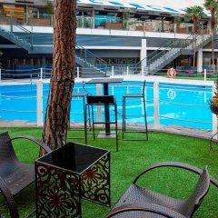 Отель The Level at Melia Castilla бассейн