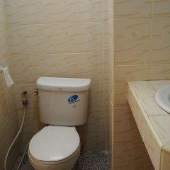 Апартаменты Kimhant Apartment Паттайя ванная