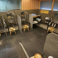 Отель Executive Spa & Capsule WELLBE Fukuoka - Caters to Men Хаката фитнесс-зал