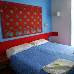 Отель Costa D'oro Римини сейф в номере