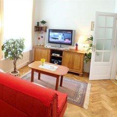 Отель Royal Route Aparthouse Прага комната для гостей фото 12