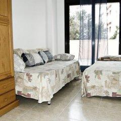 Отель Apartaments AR Caribe Испания, Льорет-де-Мар - отзывы, цены и фото номеров - забронировать отель Apartaments AR Caribe онлайн комната для гостей фото 2