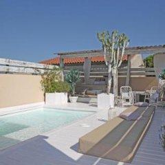 Отель Casa Rosa Барселона бассейн