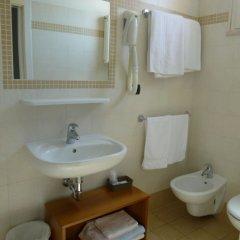 Отель Berenice Италия, Римини - 1 отзыв об отеле, цены и фото номеров - забронировать отель Berenice онлайн ванная фото 2
