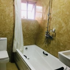 De Brit Hotel ванная фото 2