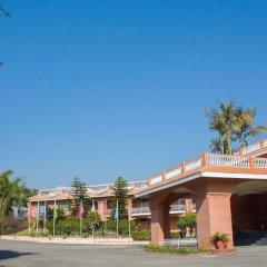 Отель Royal Palm Resort Непал, Покхара - отзывы, цены и фото номеров - забронировать отель Royal Palm Resort онлайн парковка