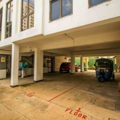 Отель Yoho Galle Face Cove Шри-Ланка, Коломбо - отзывы, цены и фото номеров - забронировать отель Yoho Galle Face Cove онлайн парковка