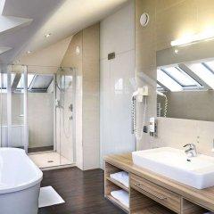 Отель Star Inn Hotel Premium Salzburg Gablerbräu, by Quality Австрия, Зальцбург - 1 отзыв об отеле, цены и фото номеров - забронировать отель Star Inn Hotel Premium Salzburg Gablerbräu, by Quality онлайн ванная фото 2
