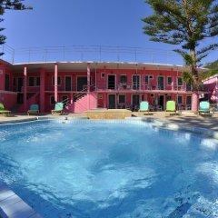 Отель The Pink Palace Корфу бассейн