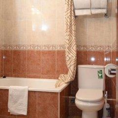 Отель Pension Canadiense Испания, Барселона - отзывы, цены и фото номеров - забронировать отель Pension Canadiense онлайн ванная фото 2