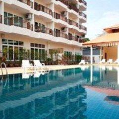 Апартаменты Emerald Palace Serviced Apartment Паттайя бассейн фото 2