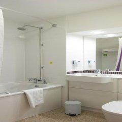 Отель Premier Inn Glasgow - Cumbernauld ванная