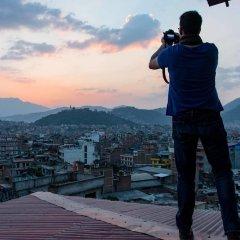 Отель WanderThirst Hostels Непал, Катманду - отзывы, цены и фото номеров - забронировать отель WanderThirst Hostels онлайн приотельная территория фото 2