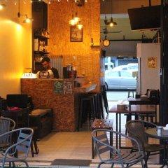 Отель Follow Your Heart Hostel&Cafe Таиланд, Краби - отзывы, цены и фото номеров - забронировать отель Follow Your Heart Hostel&Cafe онлайн интерьер отеля